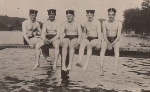 Von rechts: Würth, Schell, Mierendorff, Gentin und Haunstein im Woog, Foto: Wilhelm Köhler, 1912, StadtA DA Best. 53